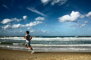 running_on_the_beach